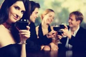 不要只喝酒,教你酒桌上说话的技巧 !(不看后悔)