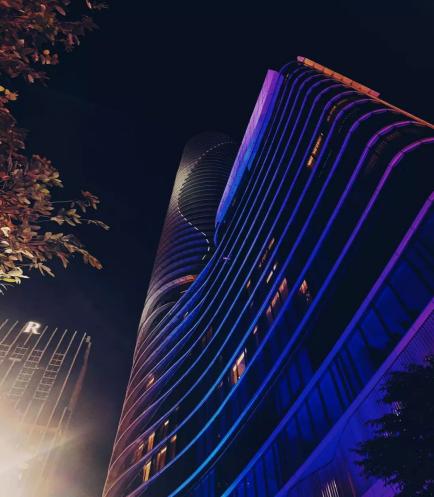 "MRB 点亮城市天际线 ""美丽曼谷2020:幸福之花""灯光秀活动"